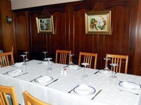 """El asador-restaurante """"La Palomas"""" disponemos de tres amplios salones"""