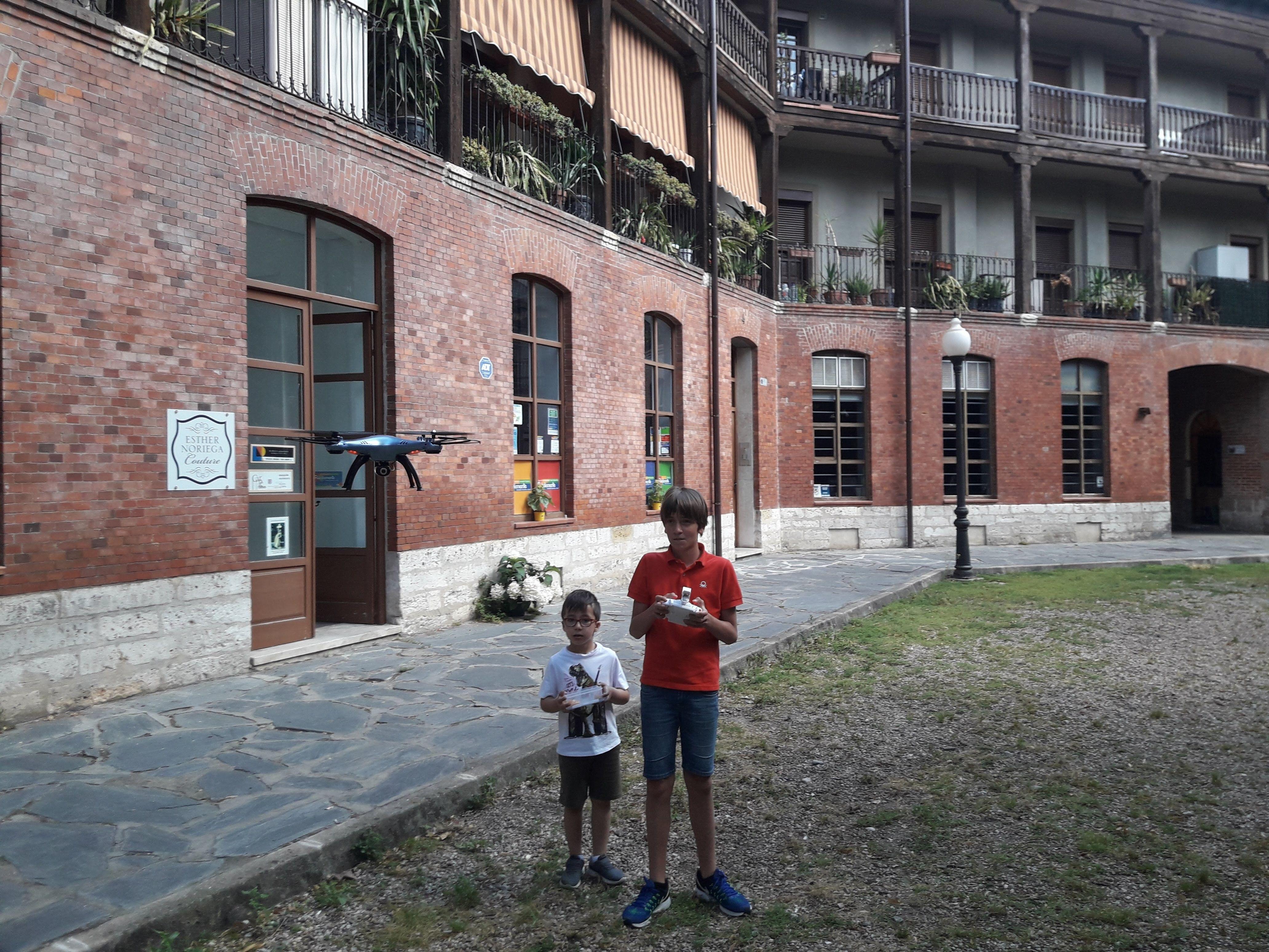 Foto 1 de Academias de estudios diversos en Valladolid | Pulediamante