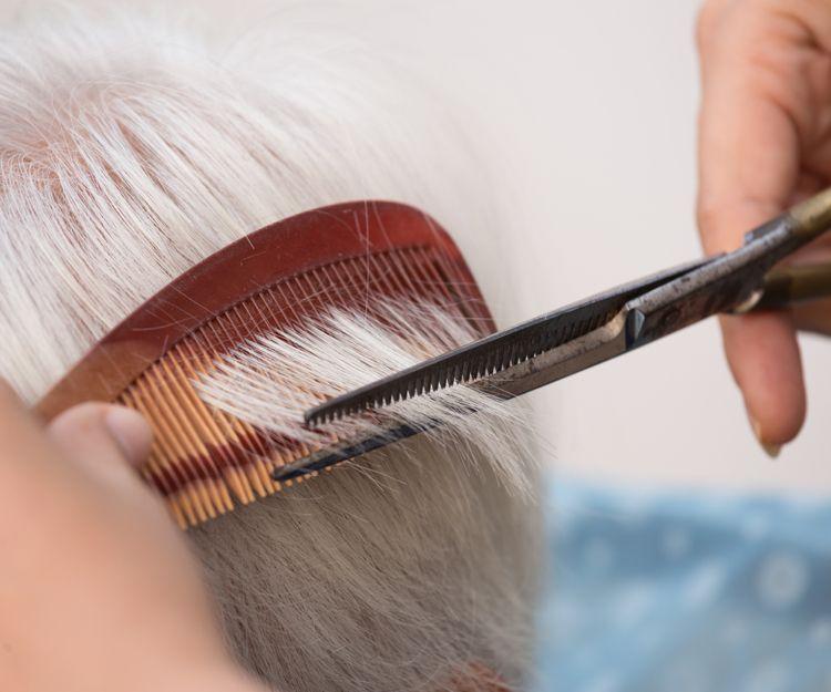 Residencia de ancianos con peluquería en Toledo