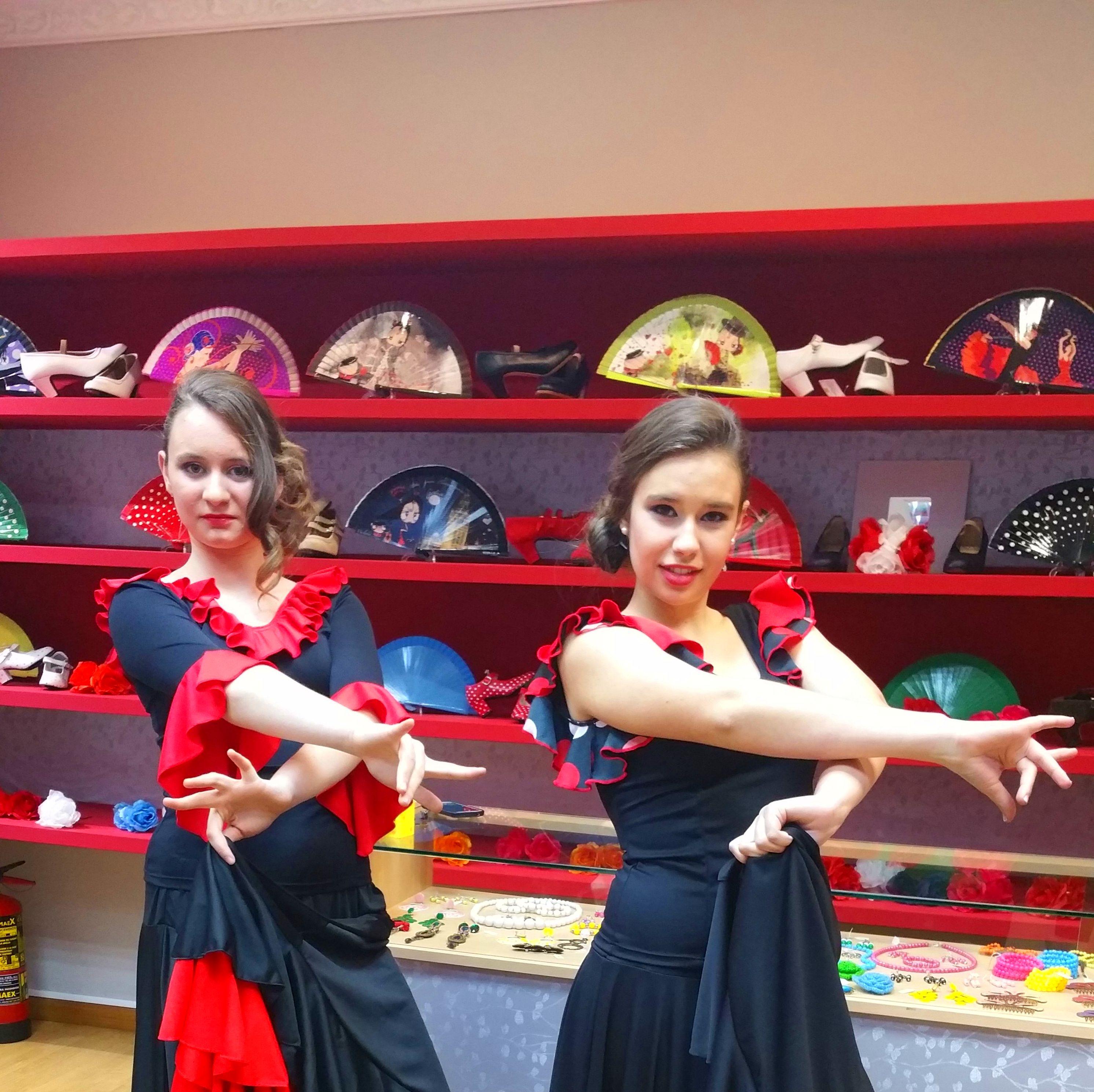 La flamenquilla, faldas, cuerpos y vestidos de ensayo. Moda flamenca