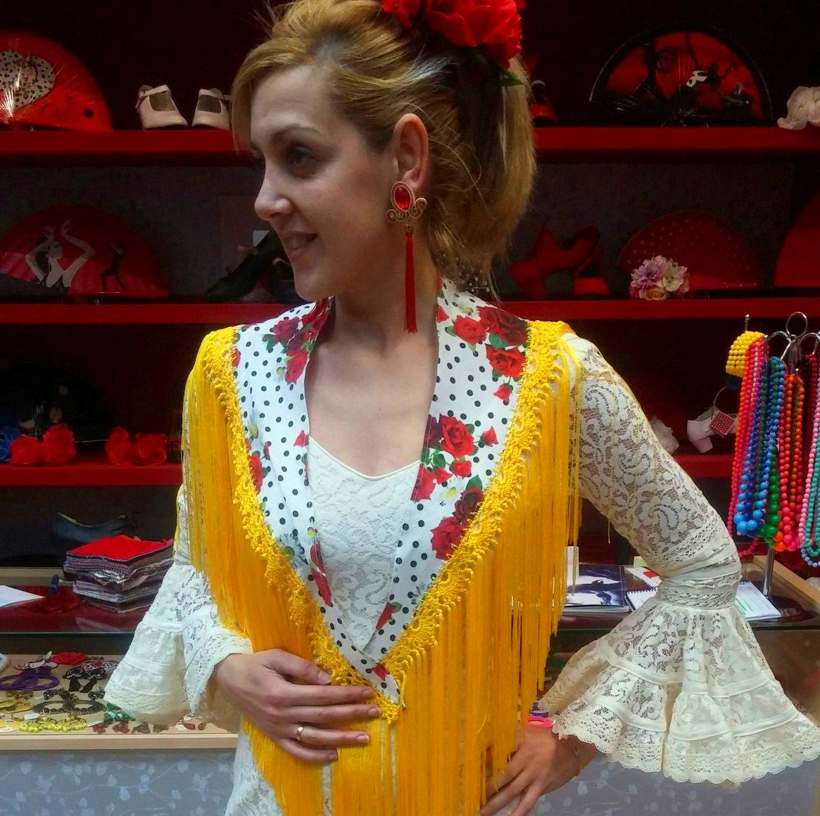 Mantones, tienda moda flamenca, Zaragoza.