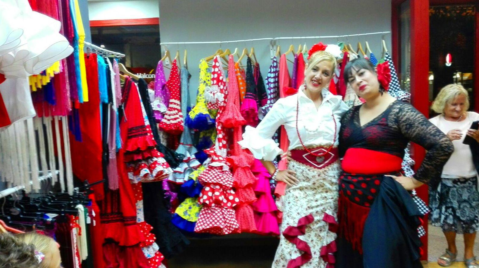 Tienda traje de sevillana Zaragoza, inauguración.