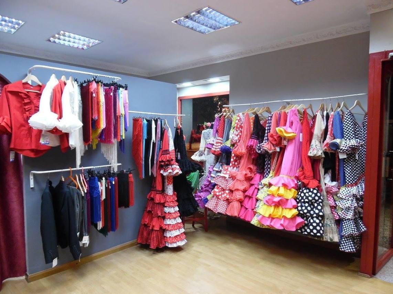 Tienda especializada en vestidos de sevillana en Zaragoza