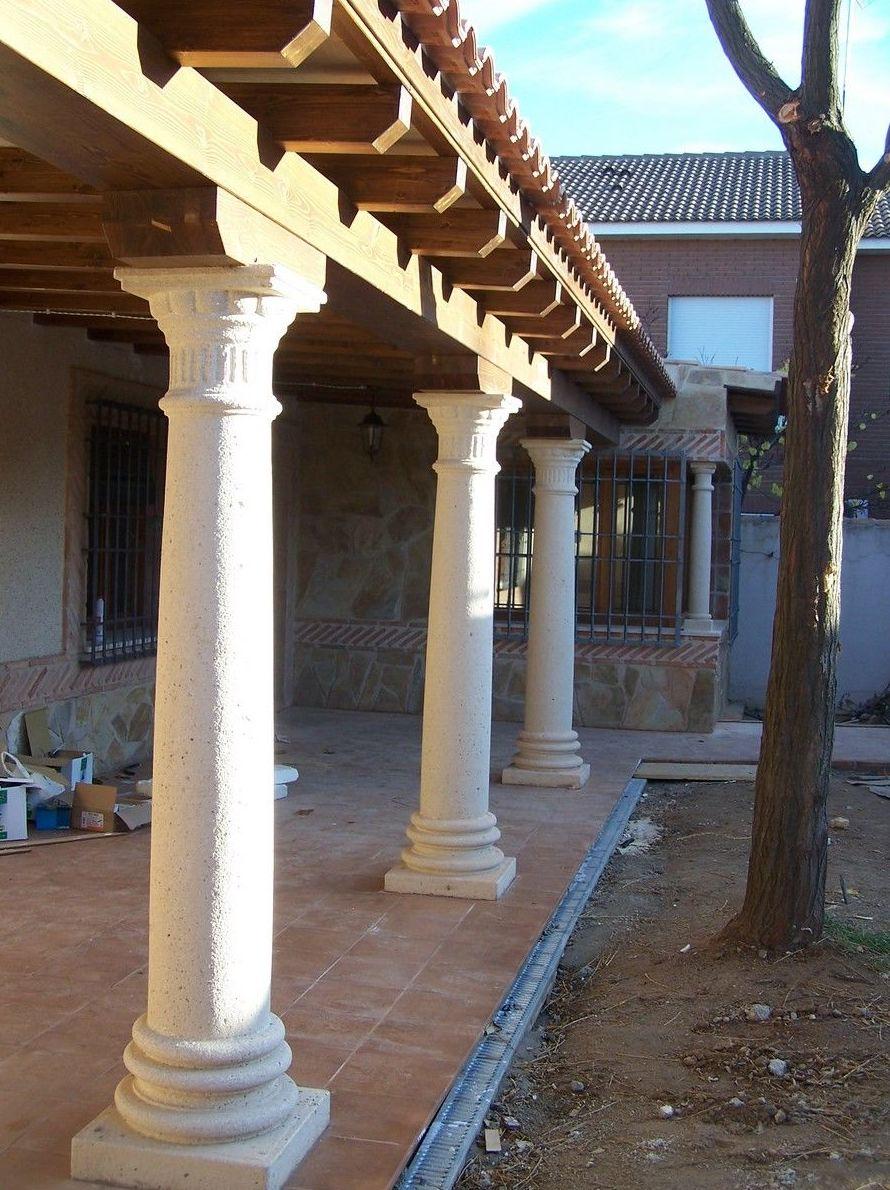 Columnas en piedra artificial
