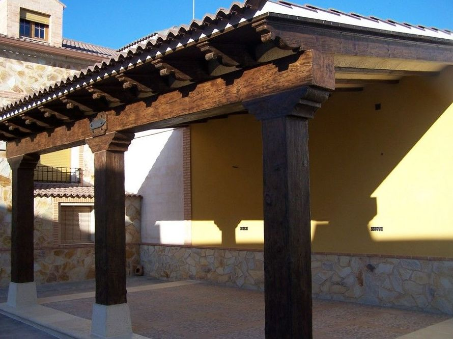 Vigas de piedra artificial imitación a madera
