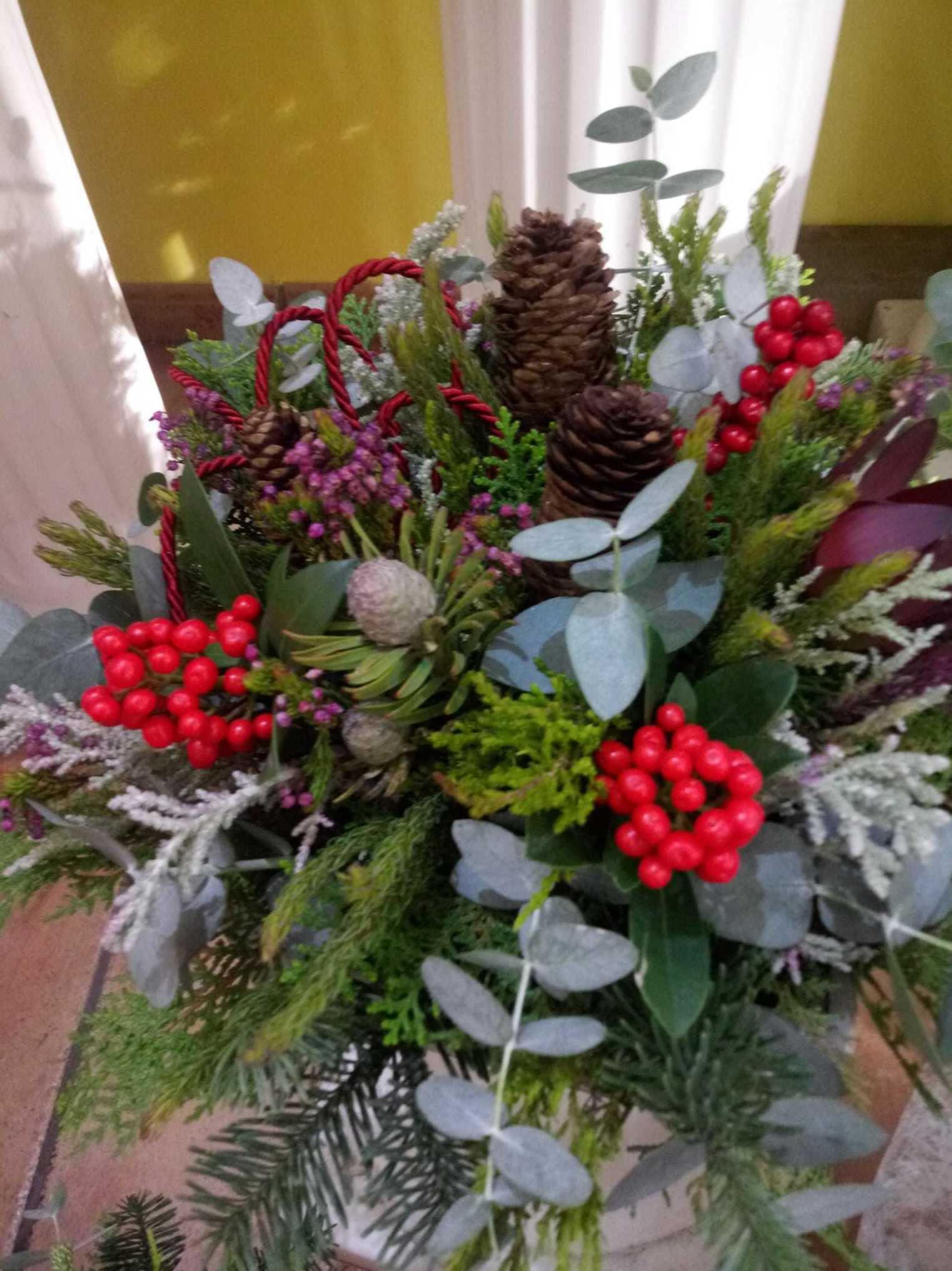 Foto 14 de Decoraciones florales en    Floristería Abolengo