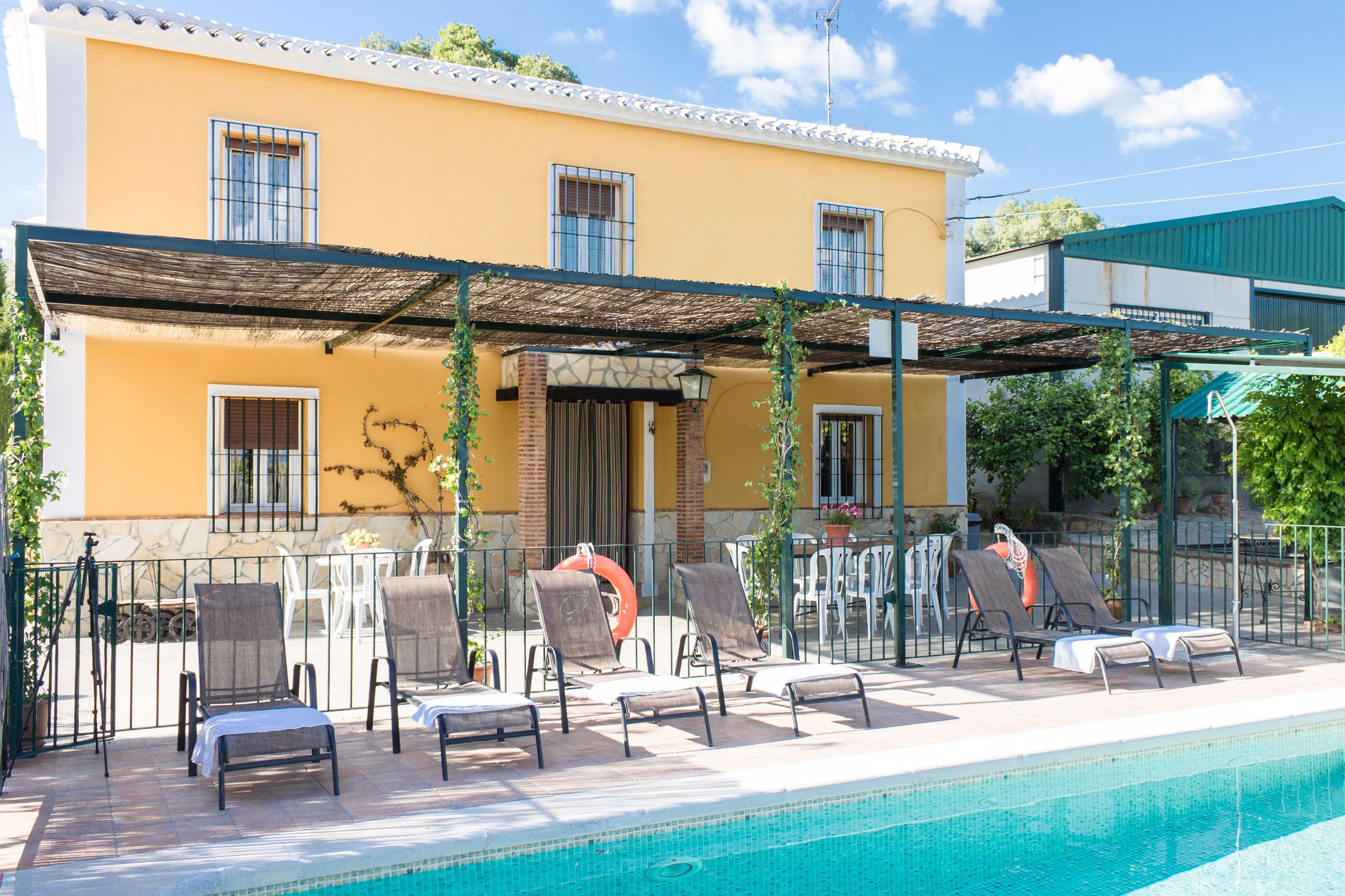 Casa rural con piscina en Archidona