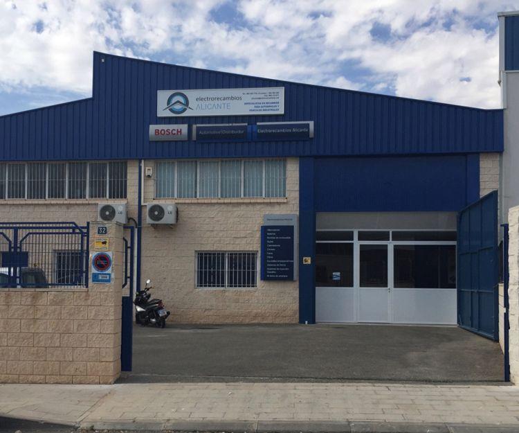 Empresa de recambios para automóviles en general en Alicante