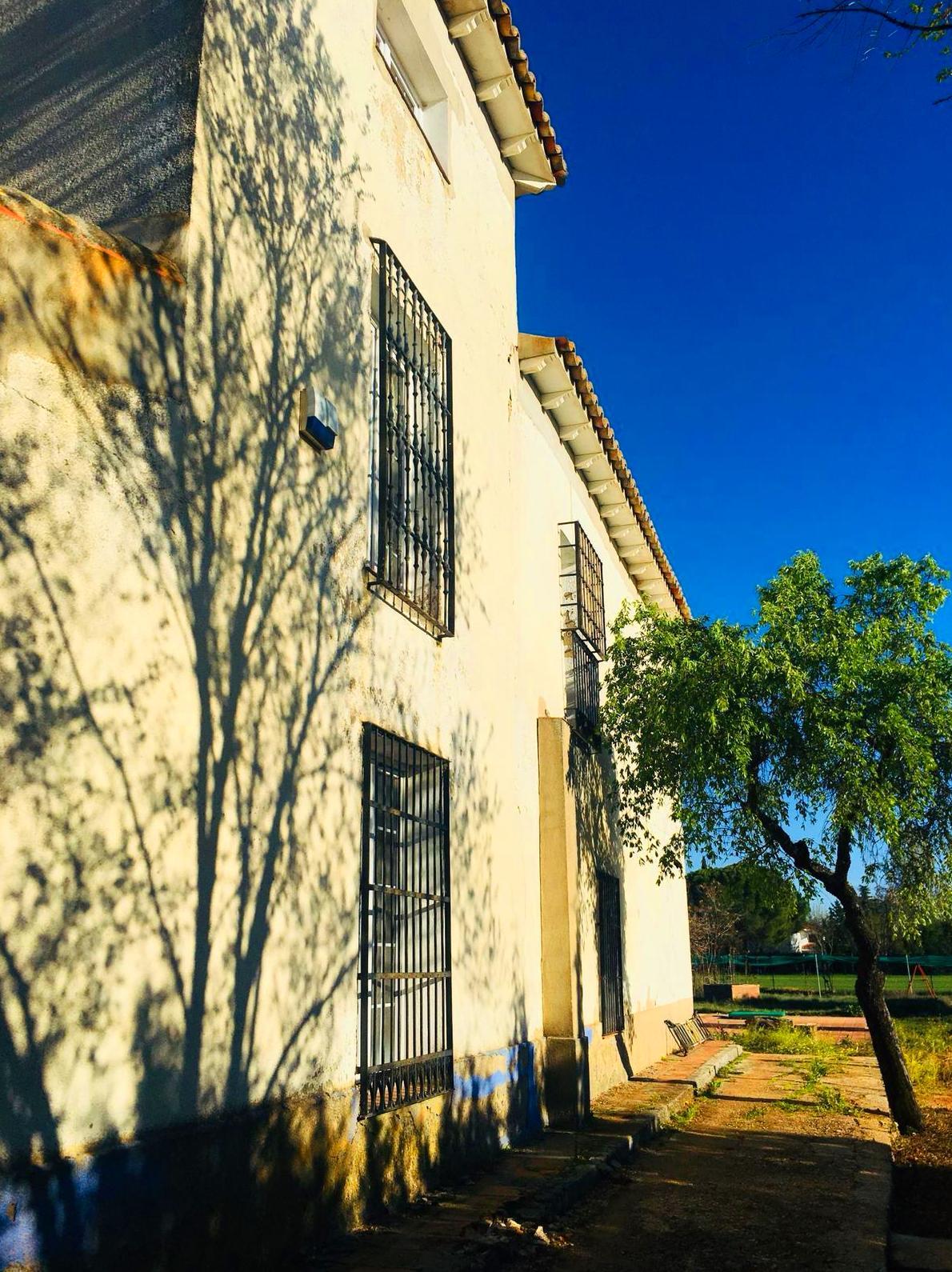 PRECIOSA CASA SOLARIEGA  DE CONSTRUCCION CLASICA EN CIUDAD REAL: Servicios de QUALIS HOUSES CONSULTORES INMOBILIARIOS