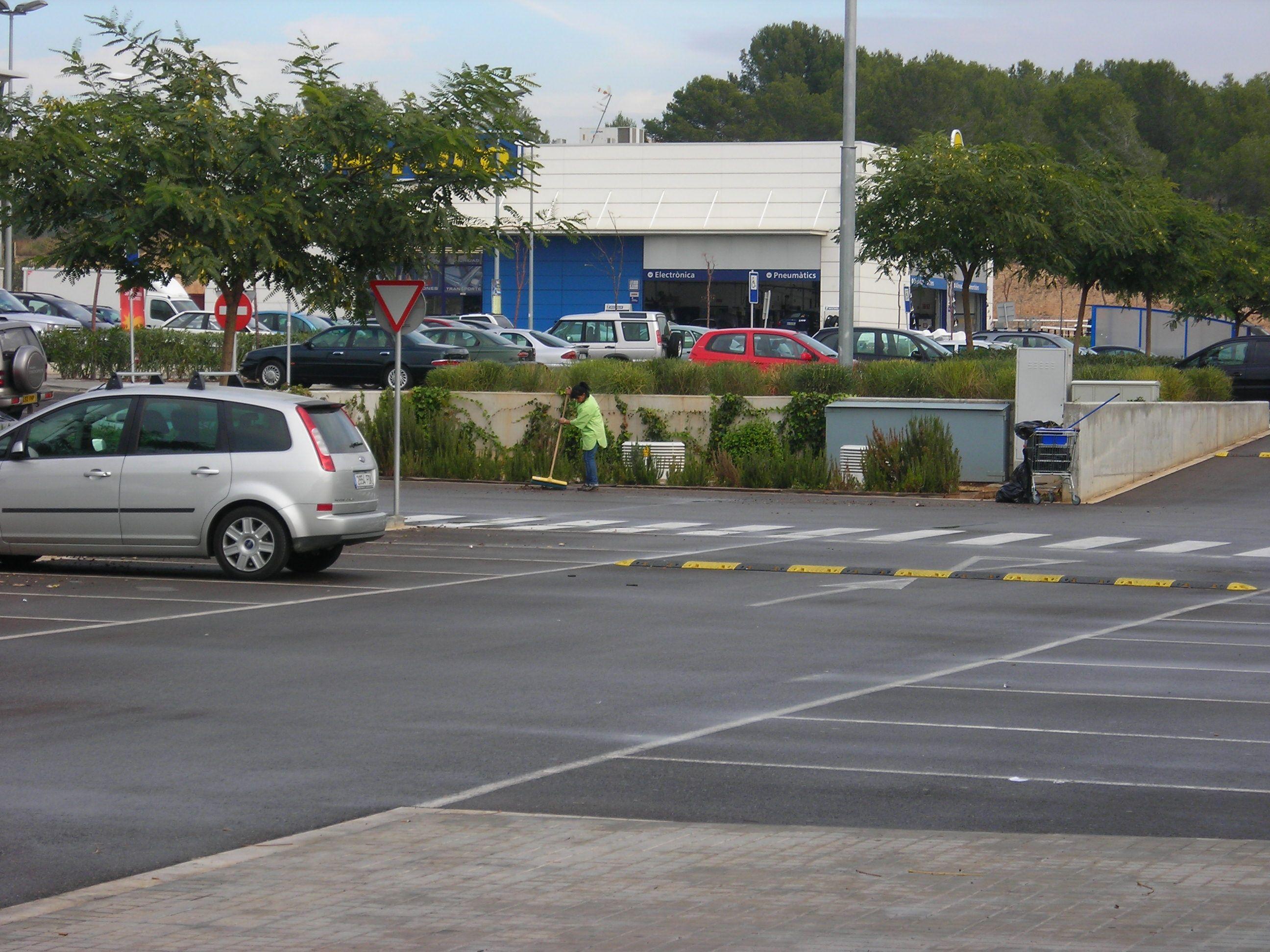 Empresas de limpieza para aparcamientos en Girona