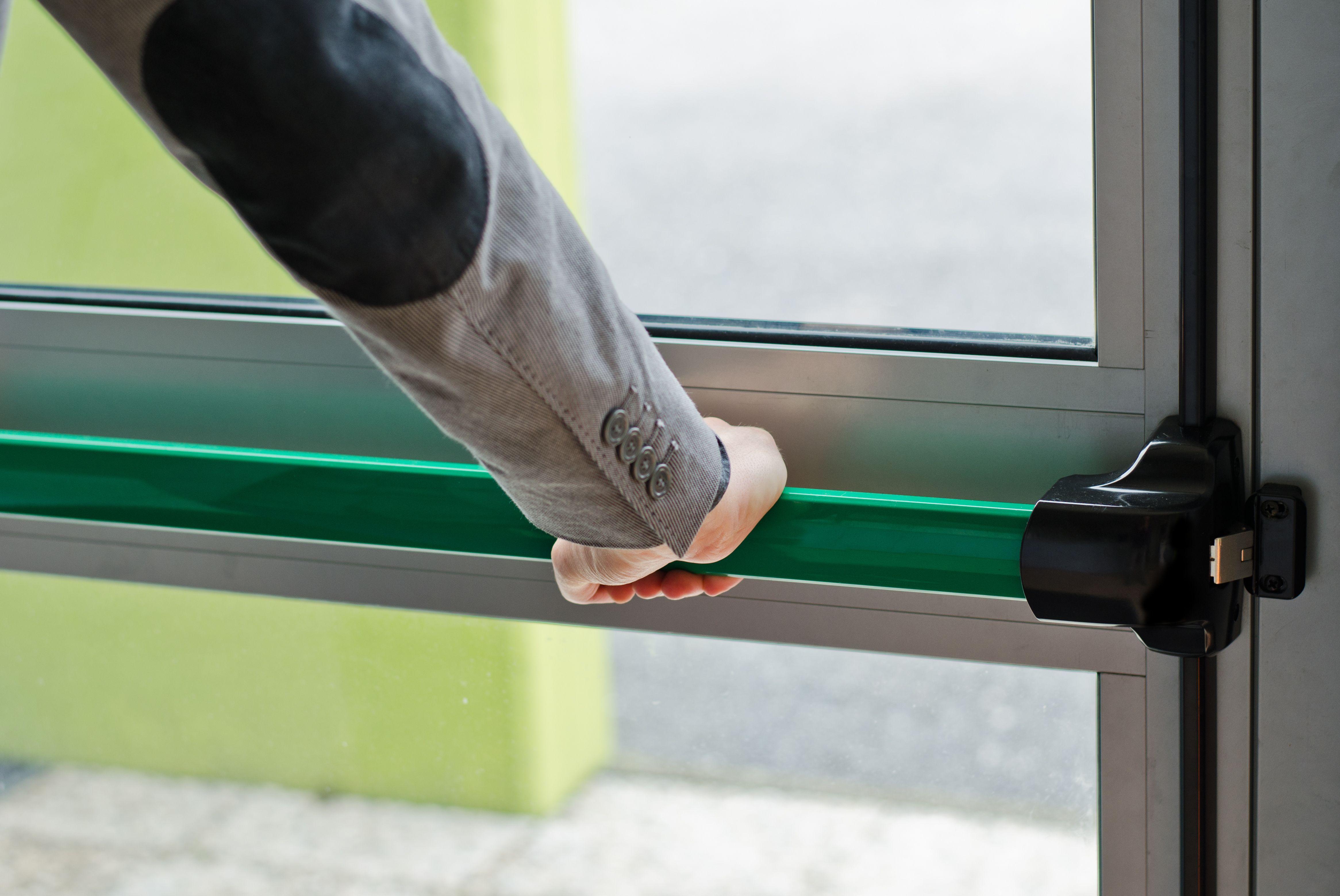 Mantenimiento de puertas cortafuegos en el Eixample, Barcelona