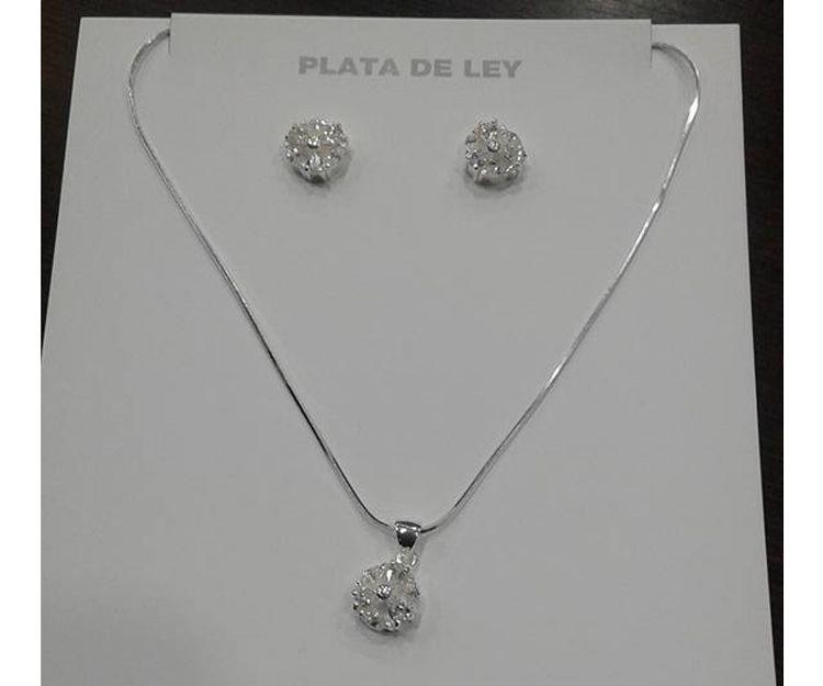 Conjunto de gargantilla y pendientes de plata