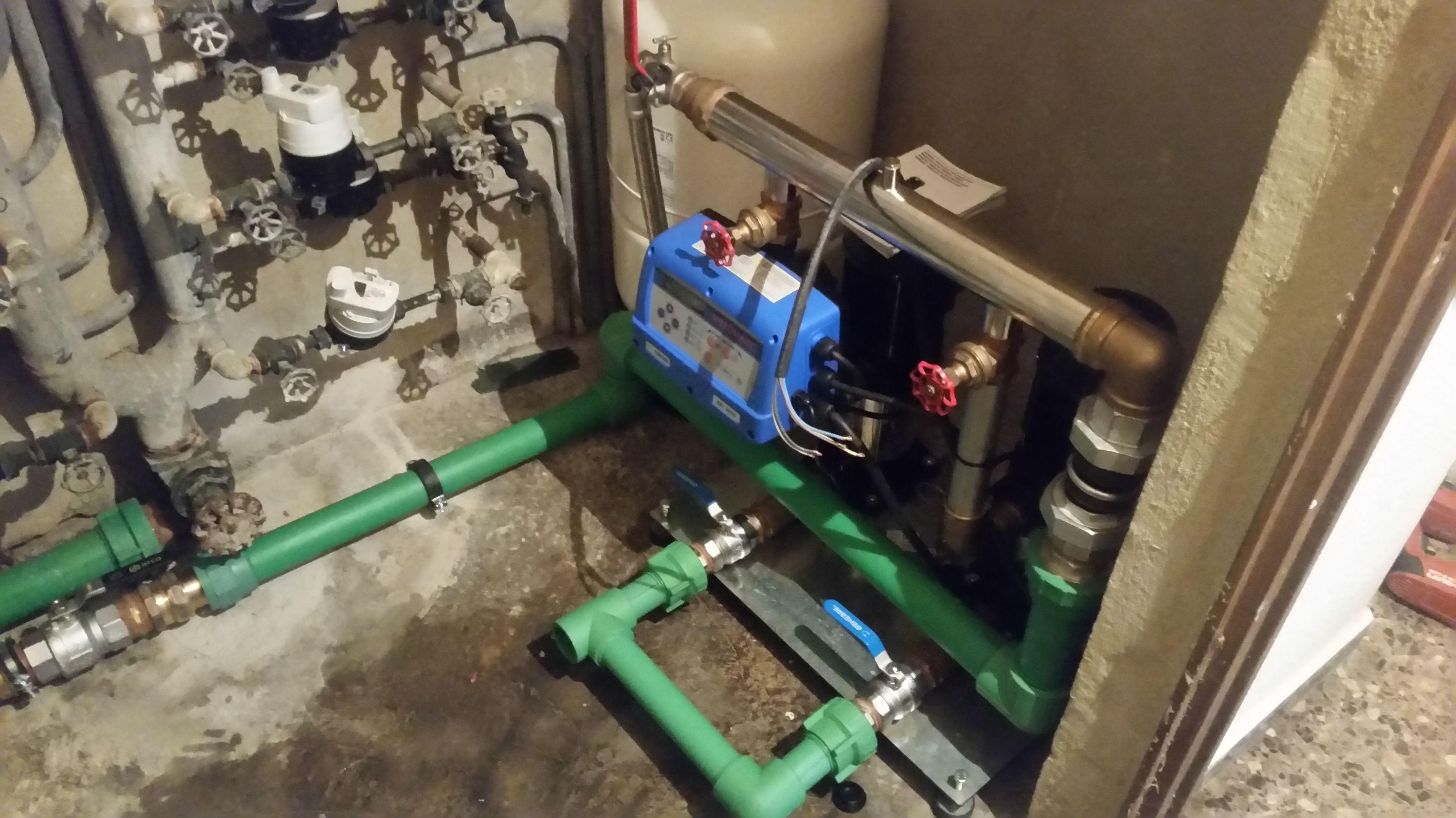 Instalación de grupos de presión: Servicios de Instalaciones Alba