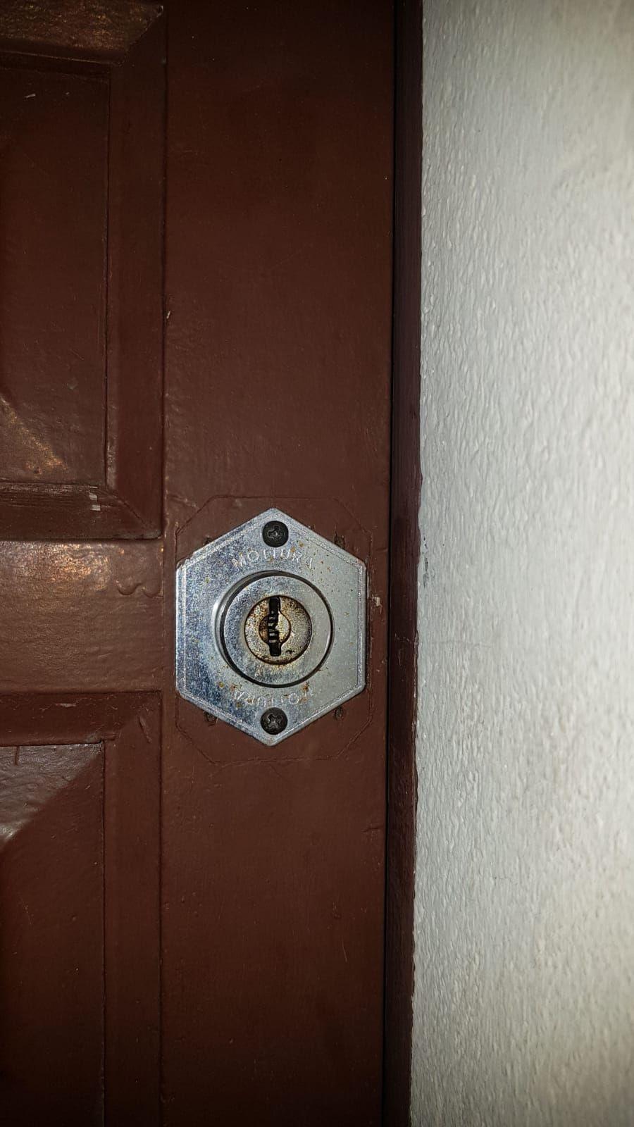 Abrir puerta en Girona