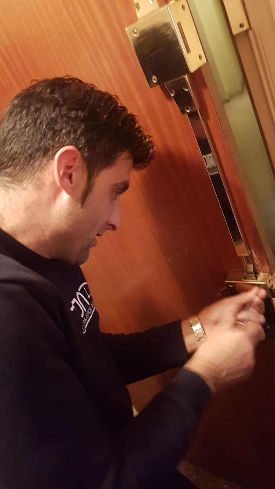 Cerrajeros 24 horas en Girona