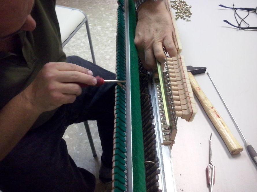 Mantenimiento de pianos a particulares