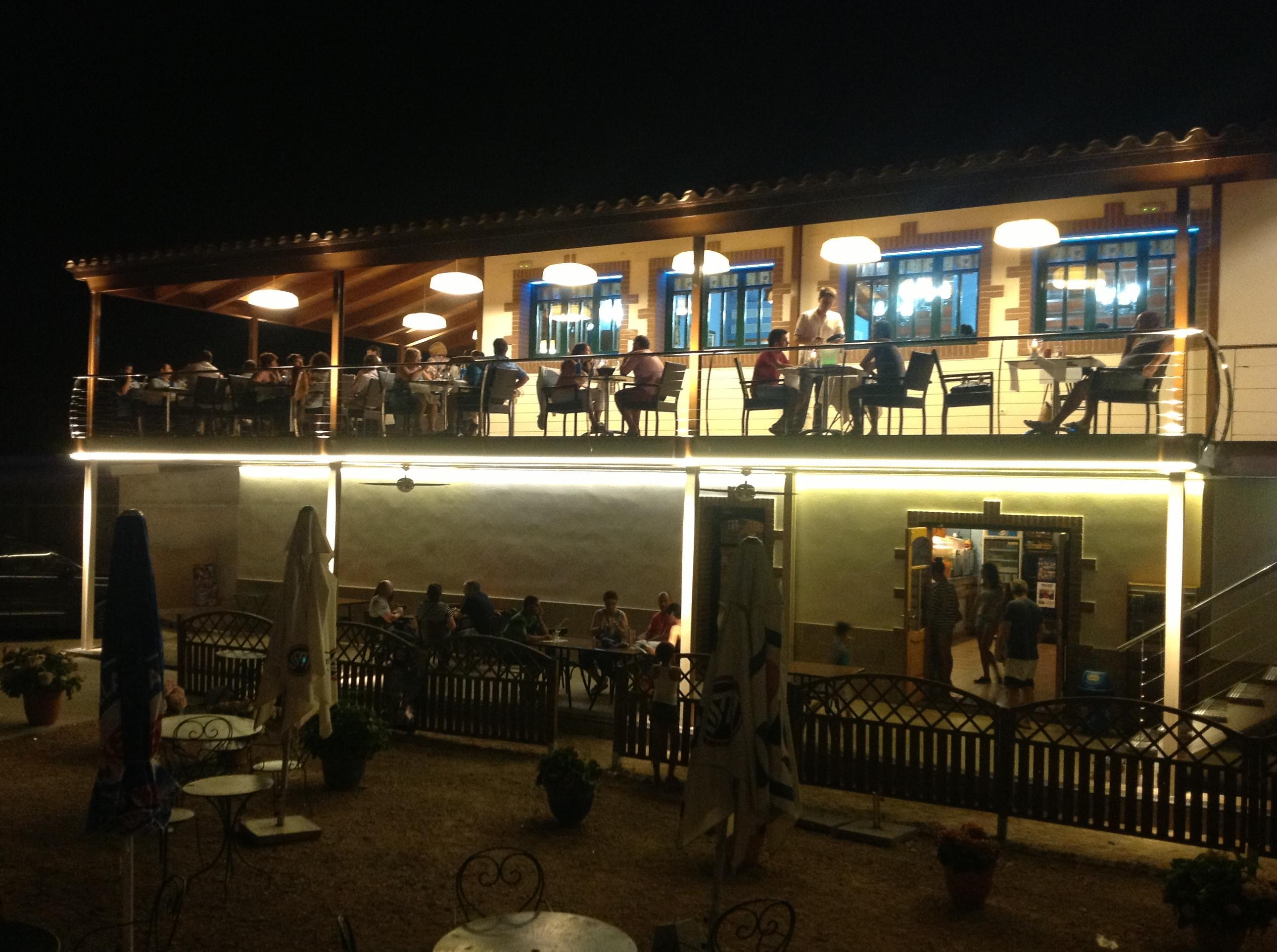 Iluminacion arquitectonica -Terrassa MIRATGES Raco del Riu