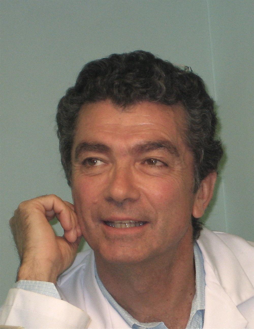 Dr Juan E. Santiago Saracho