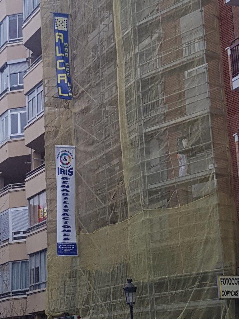 Rehabilitación de fachadas: Servicios de Construcciones & Reformas Iris, S.L.