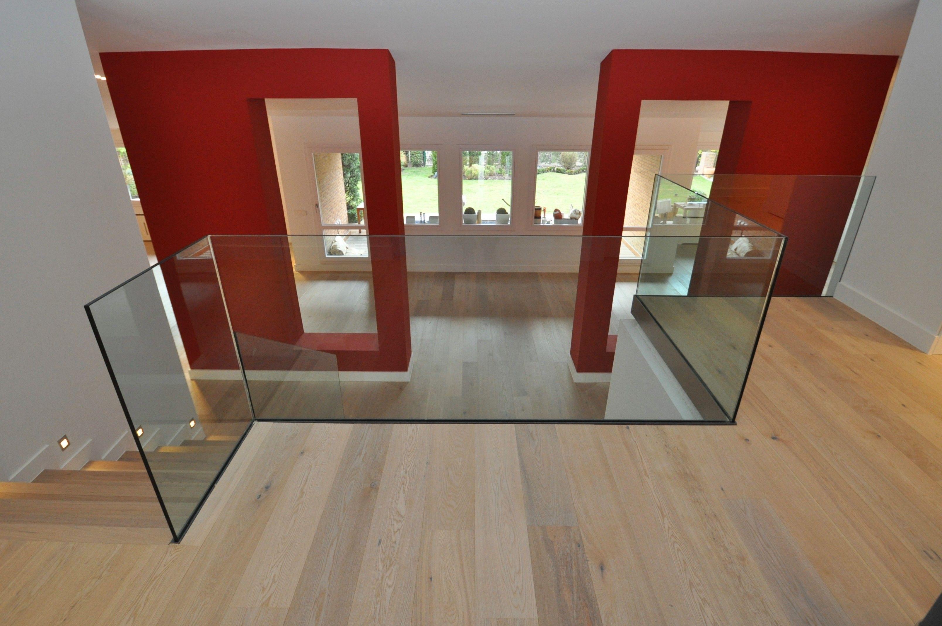 Cerramiento de espacios con cristal