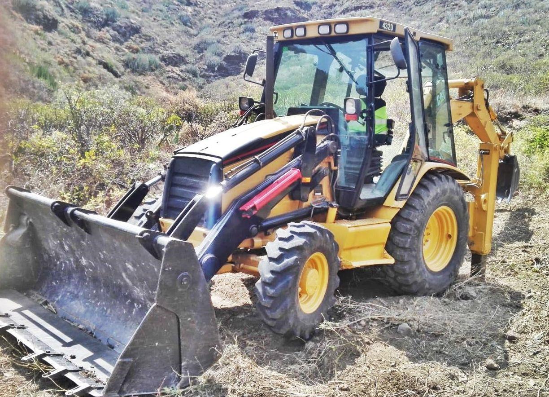 Maquinaria excavación (minicargadoras, miniexcavadoras, retroexcavadoras..):  de Ferretería Acentejo, S.L.