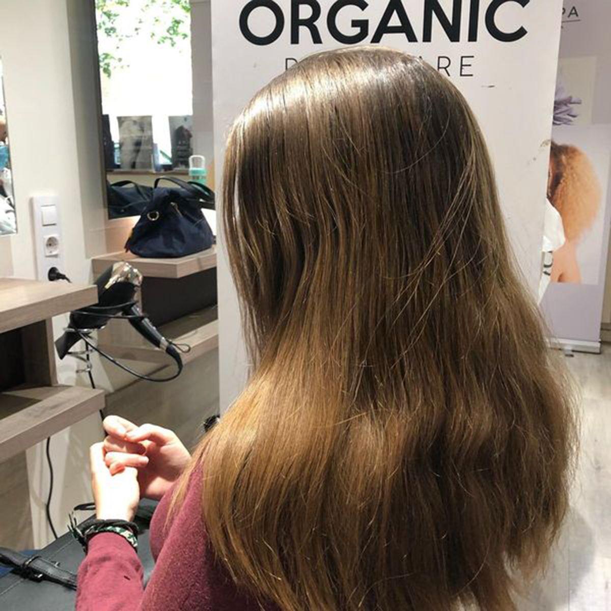 Salón de peluquería y estética Iraga