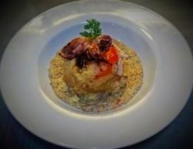 Chipirones con cuscus y salsa de champiñones