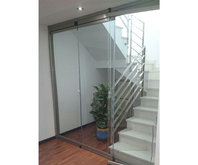 Cerramiento sin perfil en vivienda en Zaragoza