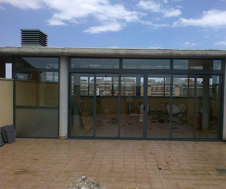 Cerramiento de locales comerciales en Zaragoza