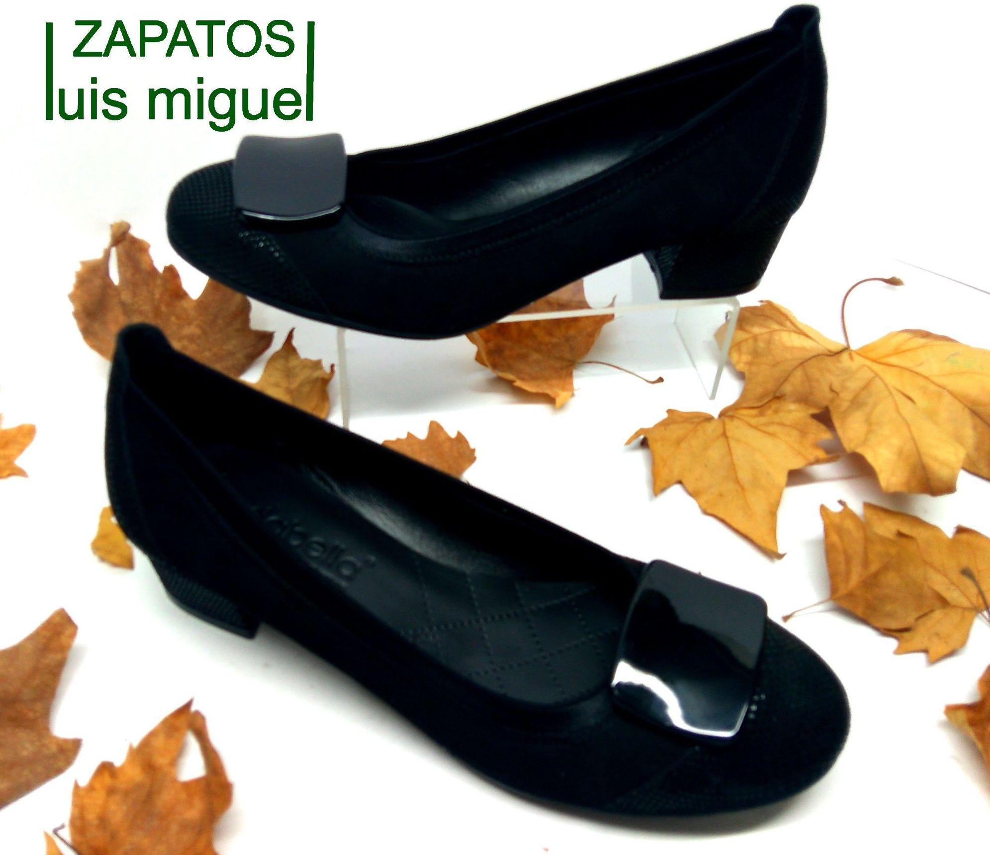zapato de salon con adorno: Catalogo de productos de Zapatos Luis Miguel