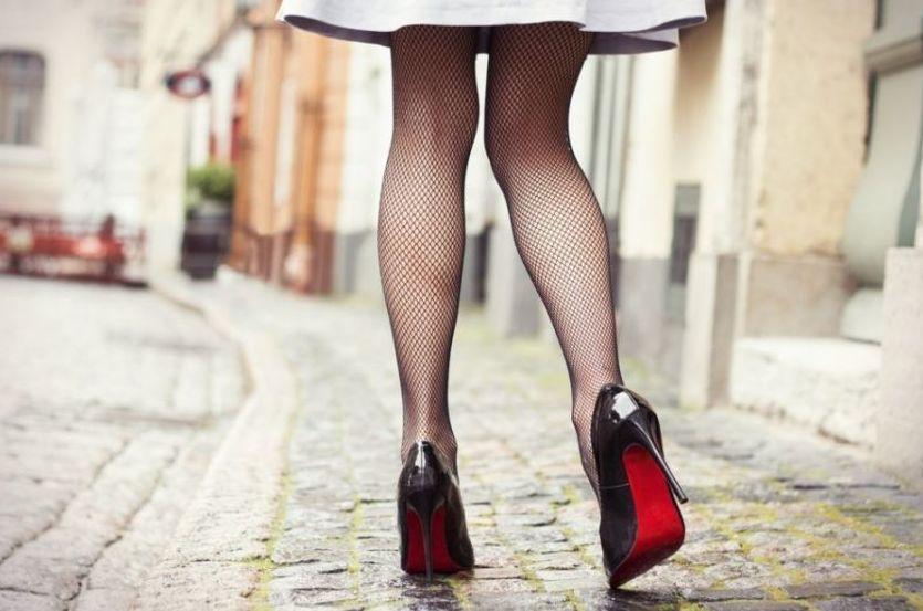 Aprender a llevar tacones: 5 consejos para dominar los zapatos altos