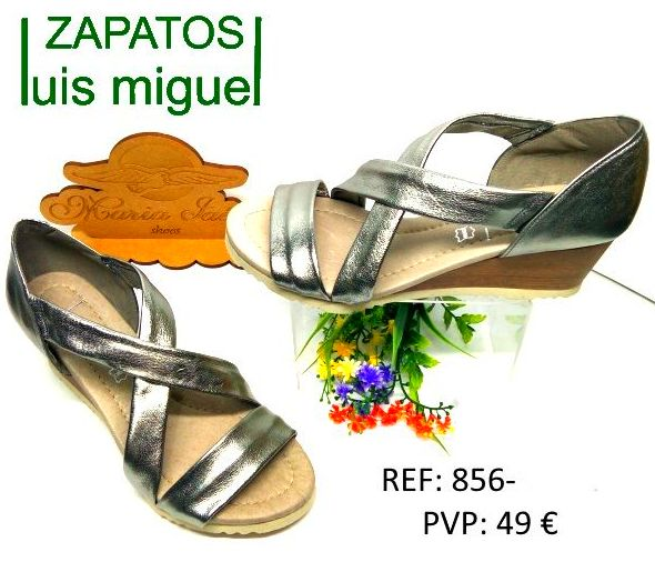 sandalia dos tiras y talon cerrado plateado: Catalogo de productos de Zapatos Luis Miguel