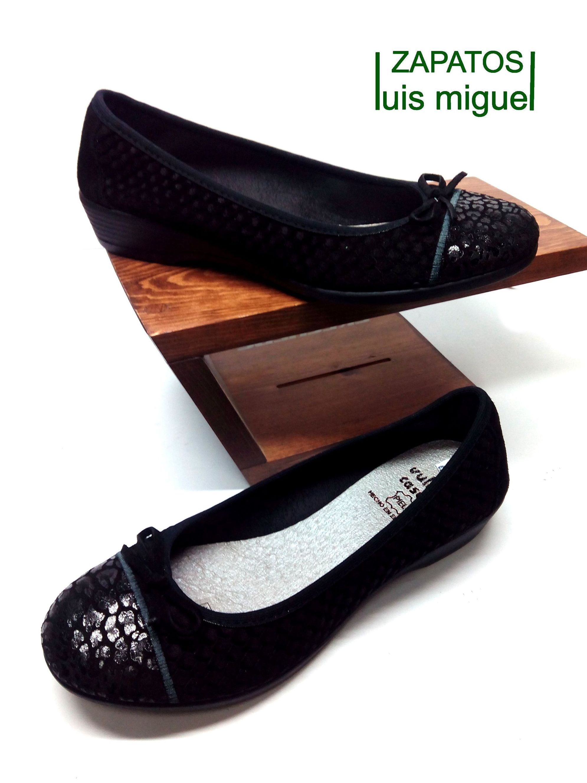 manoletina con puntera y lazo: Catalogo de productos de Zapatos Luis Miguel