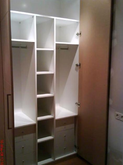 Interiores de armario a medida en Pamplona