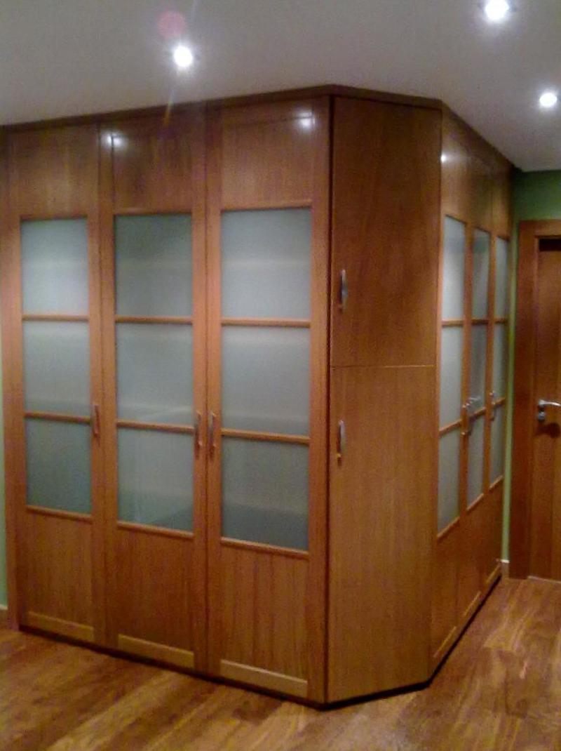 Especialistas en armarios empotrados de madera en Pamplona