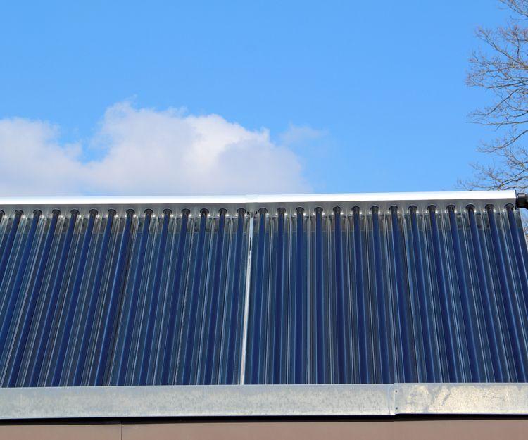 Instalación de paneles de energía renovable
