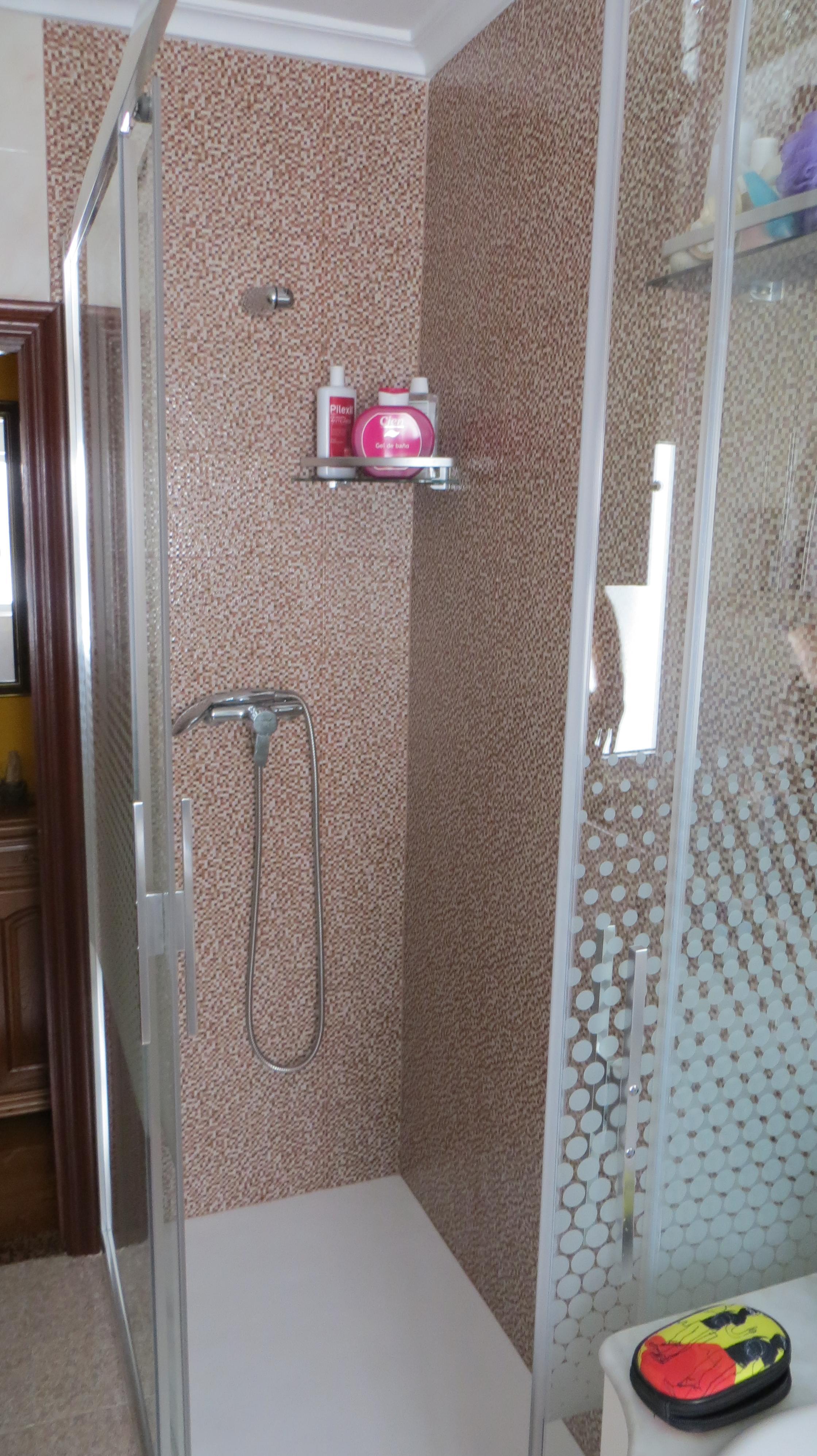 Instalación de duchasustituyendo bañera