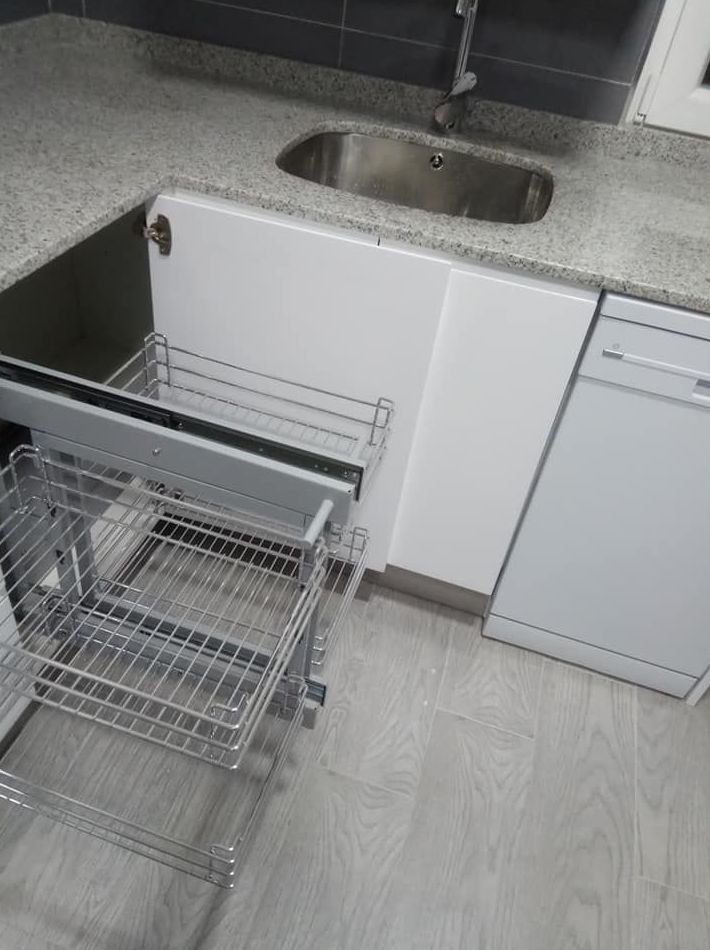 Extraible para mueble de rincón en cocina