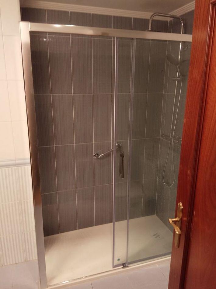 Sustitución de bañera por ducha realizada por Gresastur