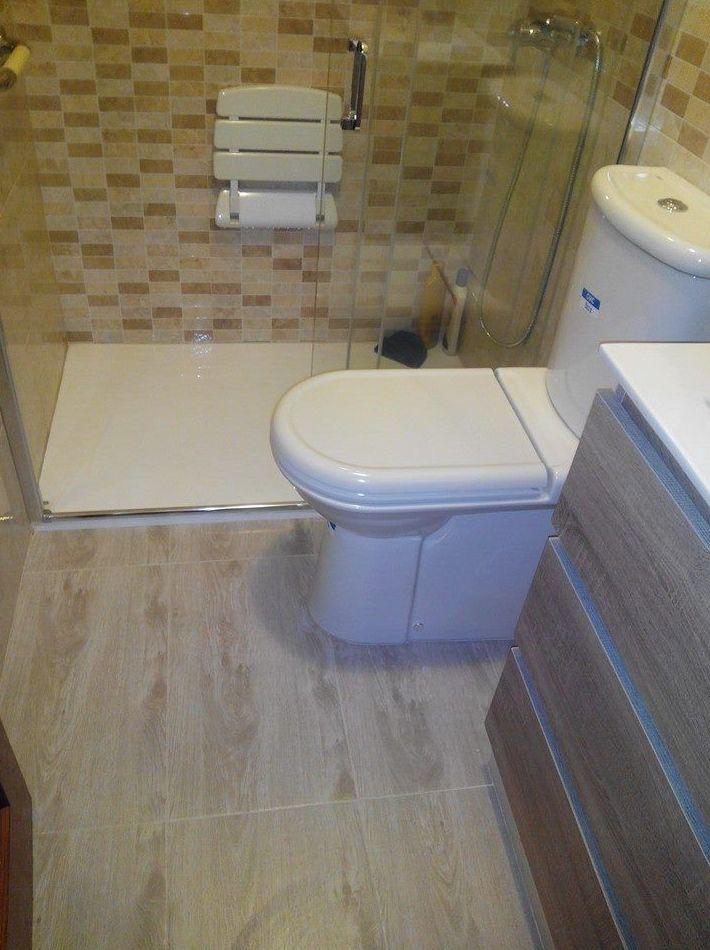 Baño reformado por Gresastur e