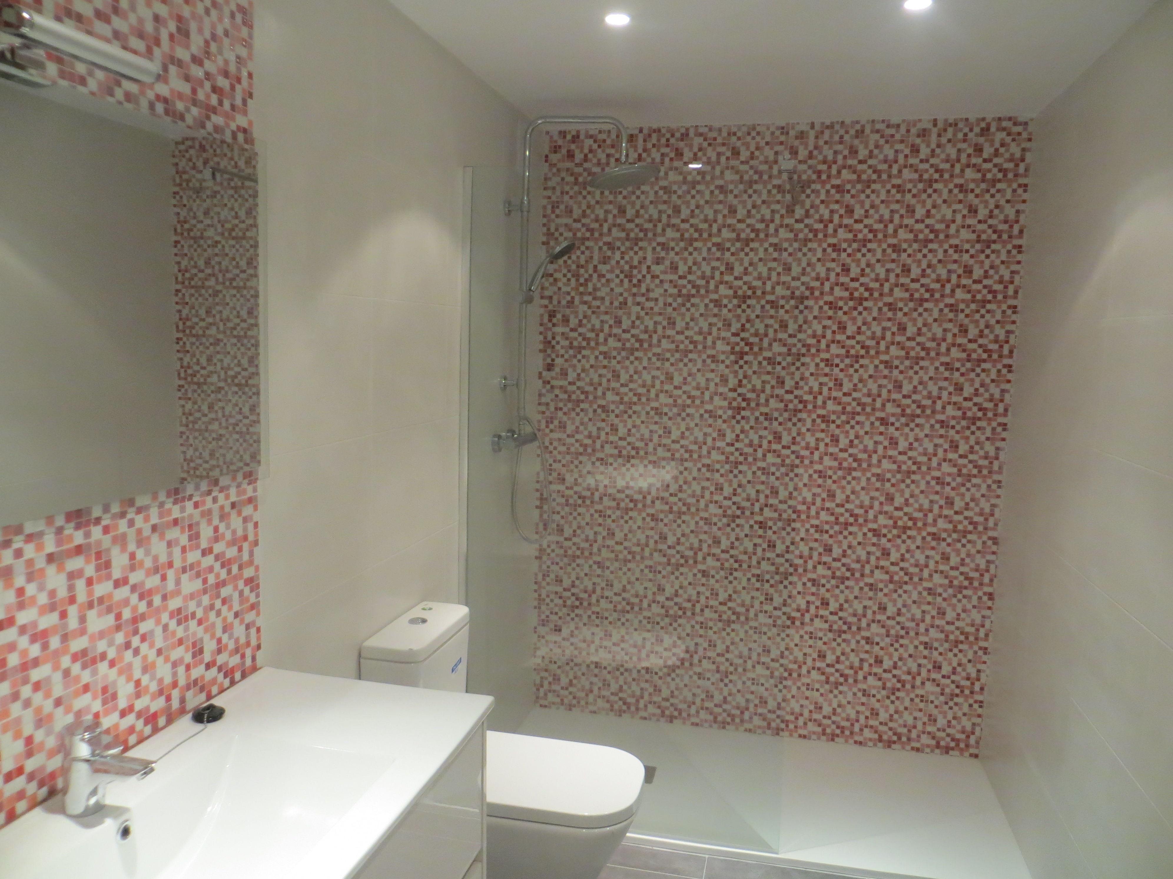 Cuarto de baño reformado por Gresastur en Gijón