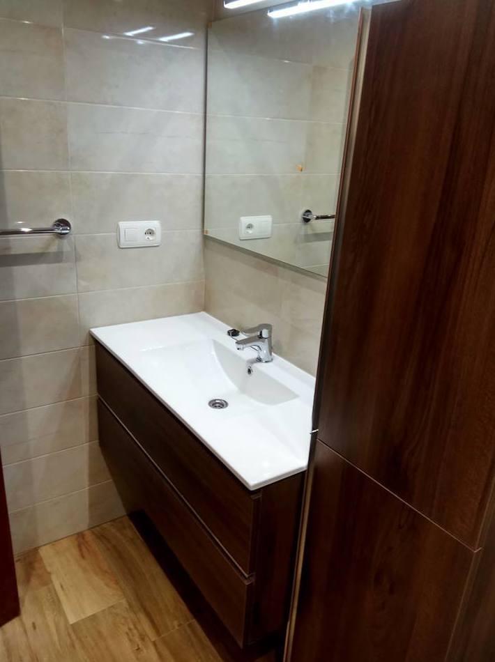 Baño reformado en Gijon por Gresastur. reformasbanosgijon