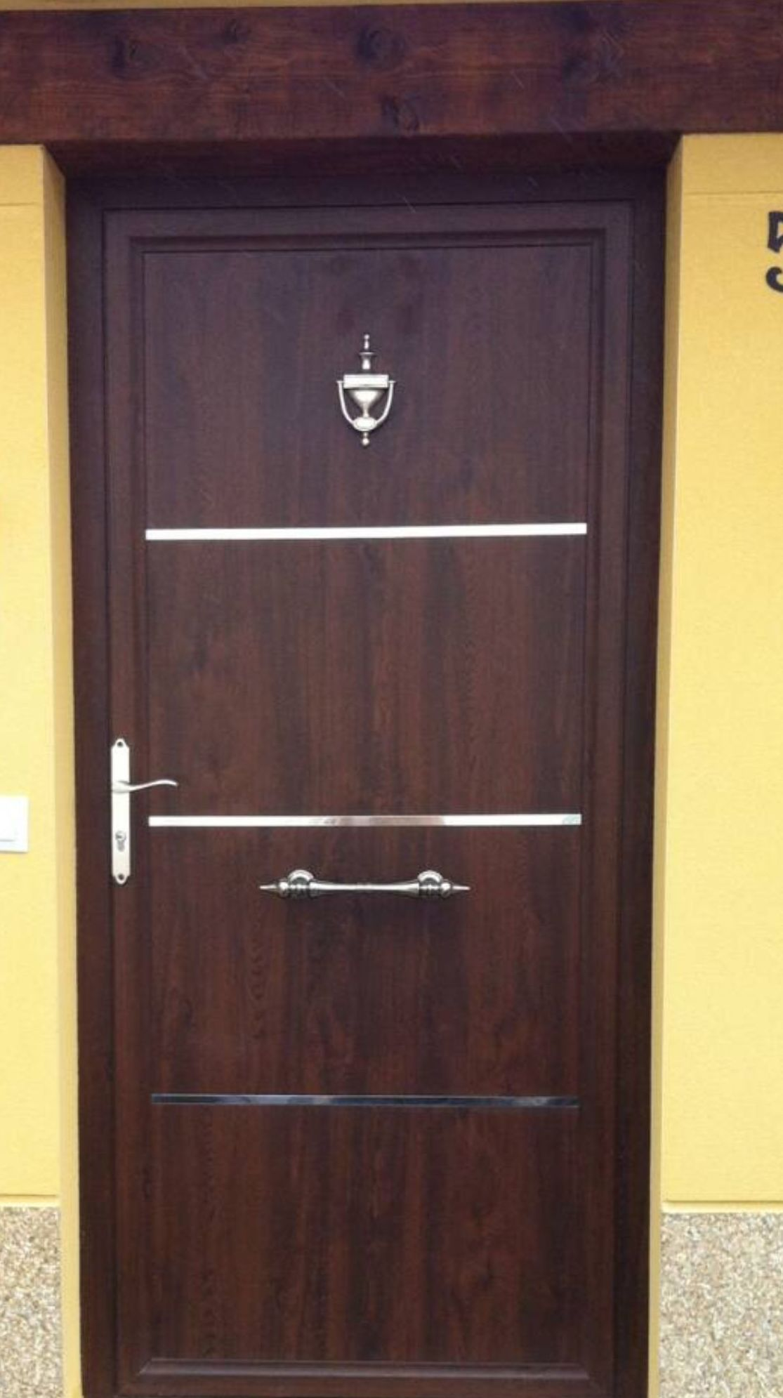 Puerta Aluminio imitation madera en Gijón Asturias