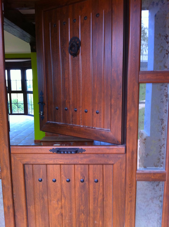 Puertas de cuarteron asturias productos de aluminios martinez for Puertas de calle de pvc