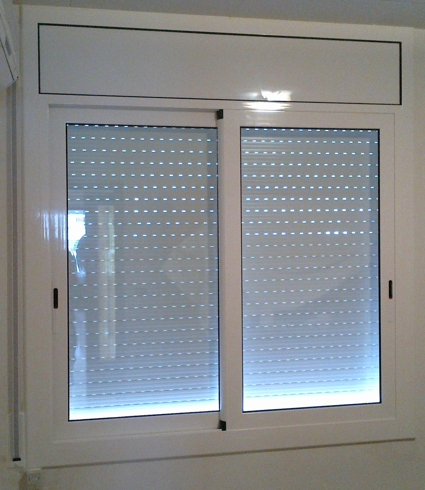 PERSIANA modelo obra de aluminio térmico blanco