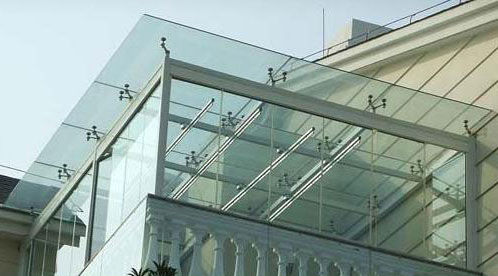 Cerramiento de terraza de hierro y cristal