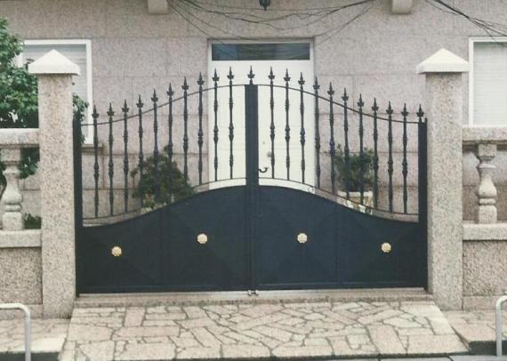 Puerta doble exterior