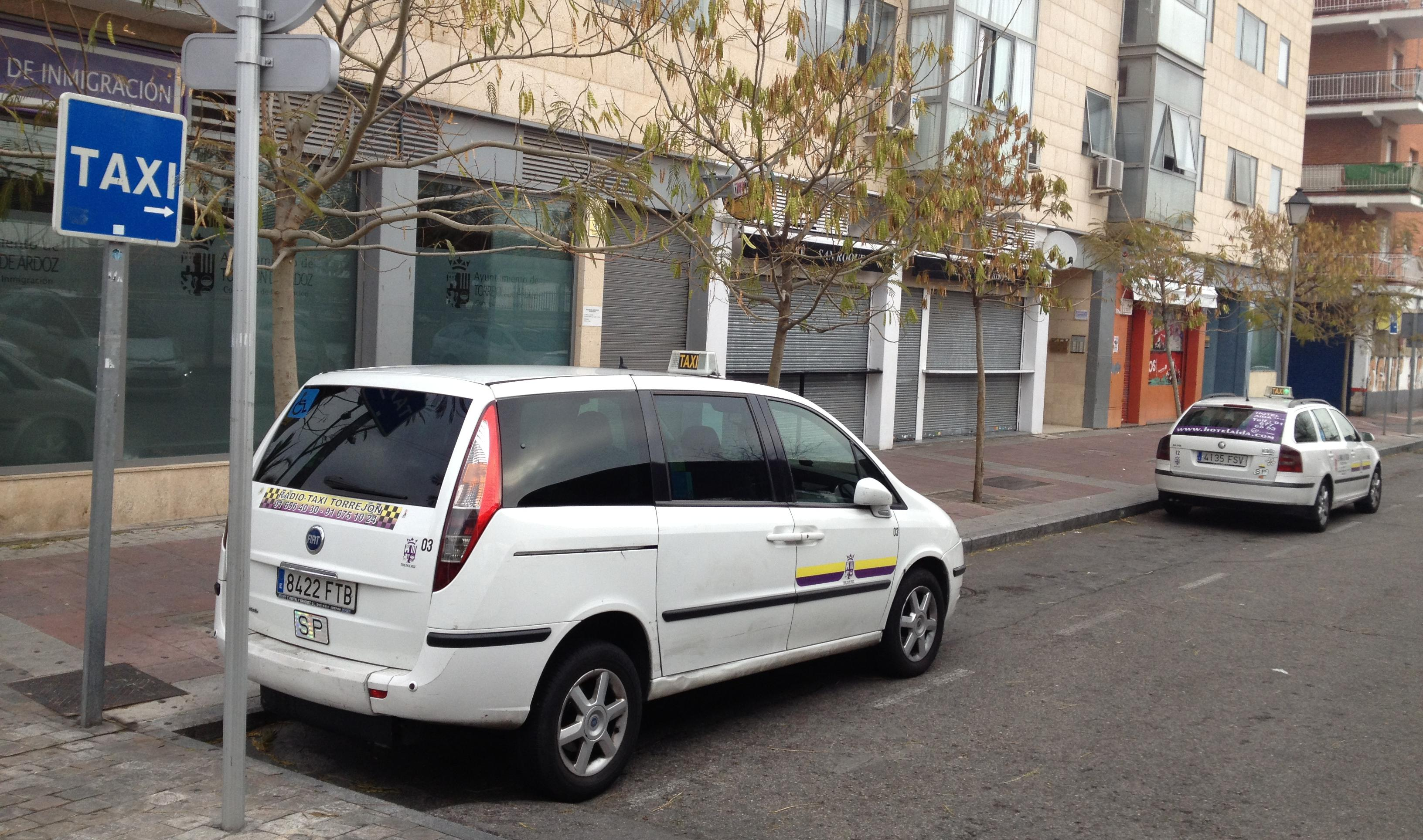Foto 5 de Taxis en Torrejón de Ardoz | Radio Taxi Torrejón
