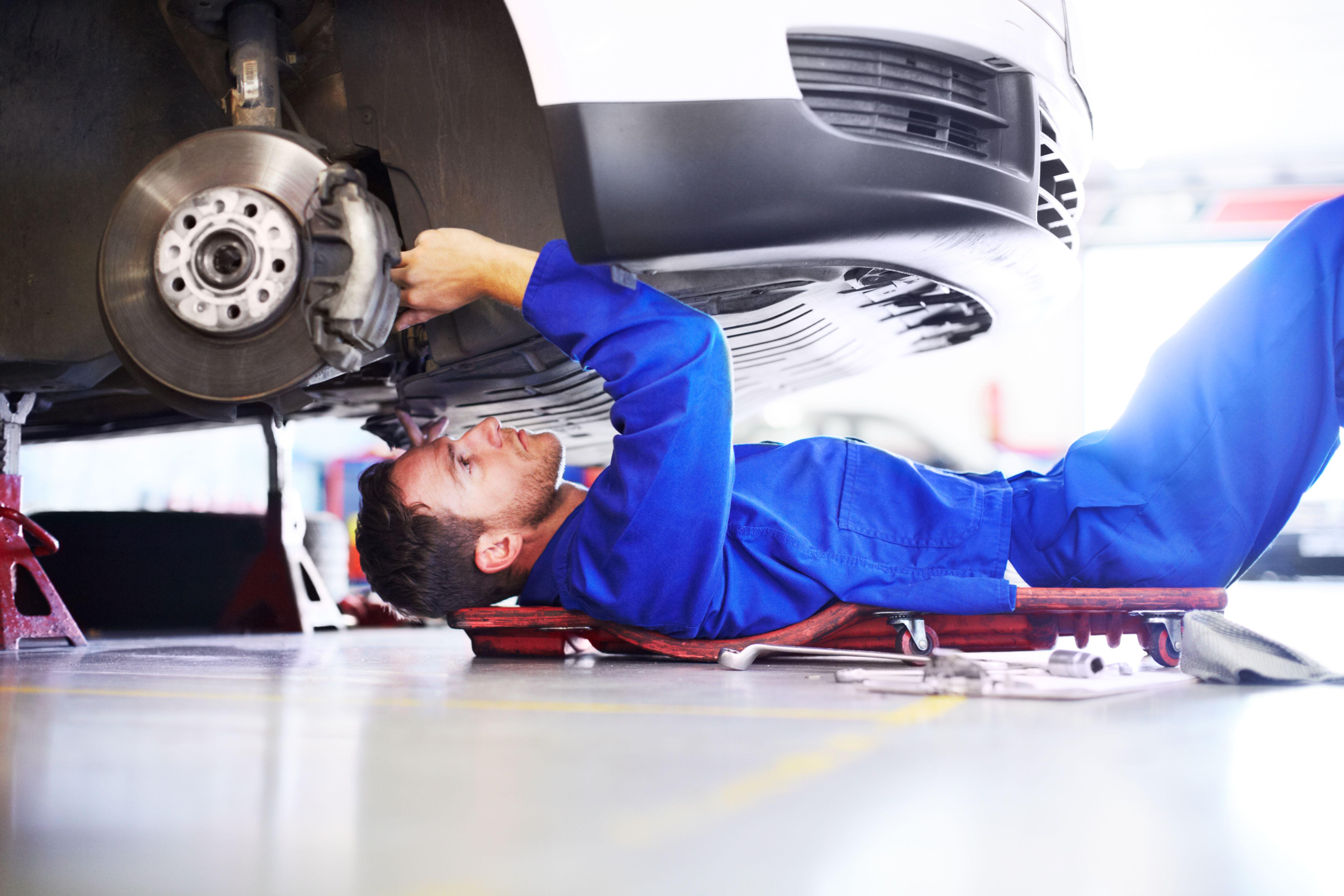 Cambio de frenos y amortiguadores en Mogán
