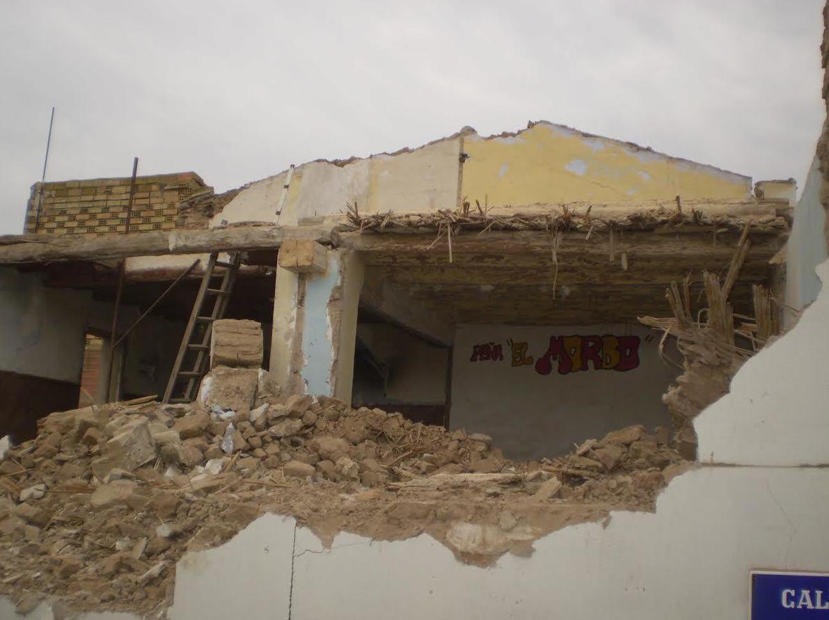 derribos , demoliciones y retirada de escombros